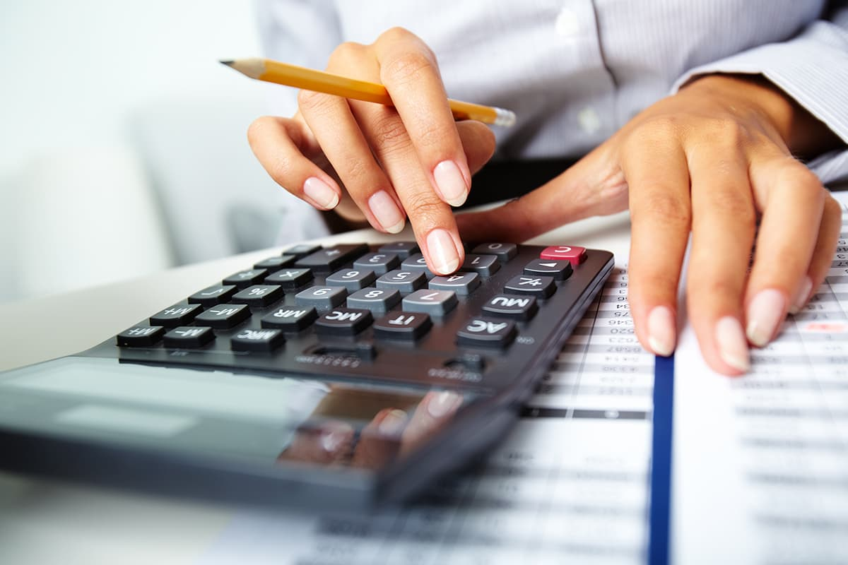 {city} Financial-Risk-Analysis-Services